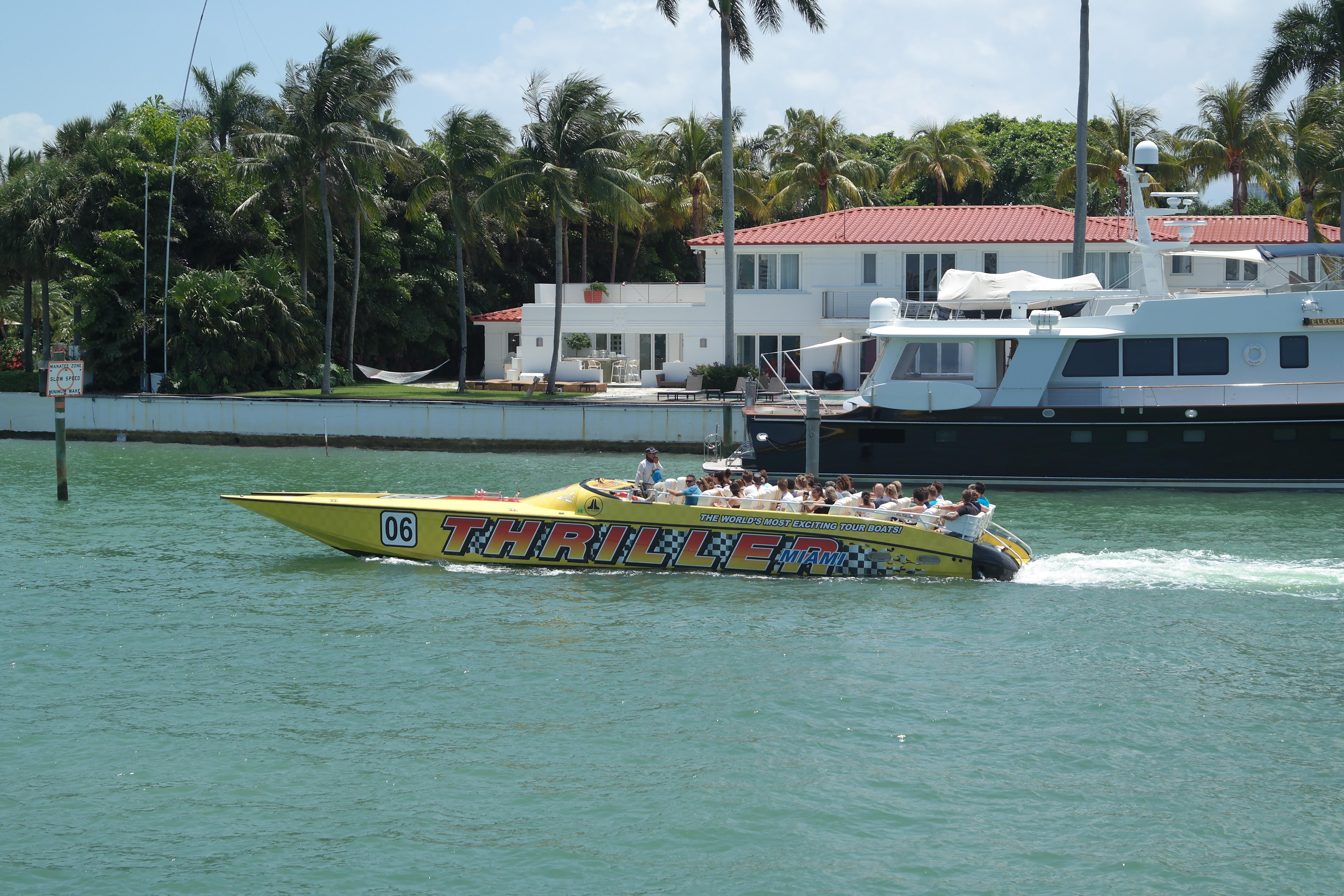 Speedboat Bayfront marina